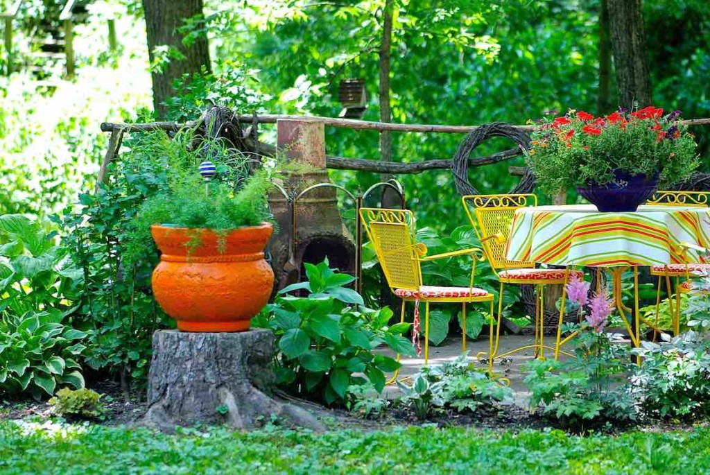 outdoor garden seating area carrollton